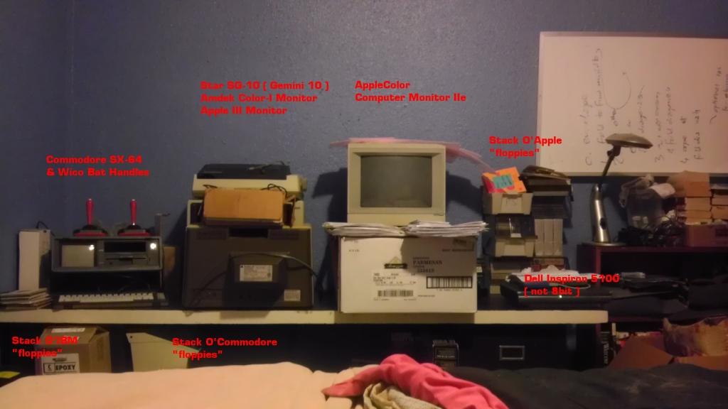 2012-12-24_8bit_Desk_s.jpg